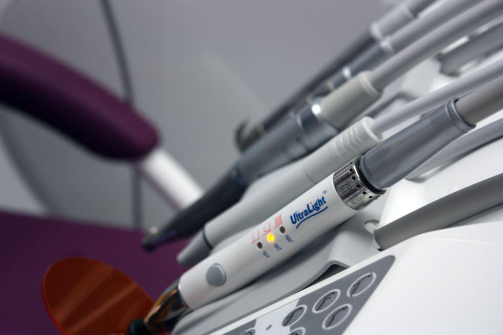 przybory dentystyczne wgabinecie dentystycznym AZ Dente